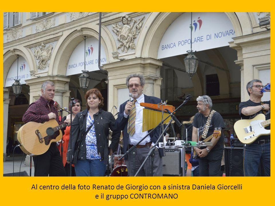 Al centro della foto Renato de Giorgio con a sinistra Daniela Giorcelli e il gruppo CONTROMANO