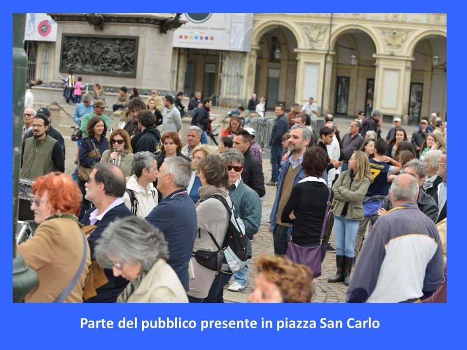 Alcune immagini del Gruppo con a destra una foto particolare con sfondo piazza San Carlo