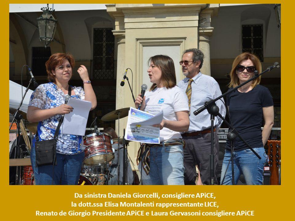 Da sinistra Daniela Giorcelli, consigliere APiCE, la dott.ssa Elisa Montalenti rappresentante LICE, Renato de Giorgio Presidente APiCE e Laura Gervaso