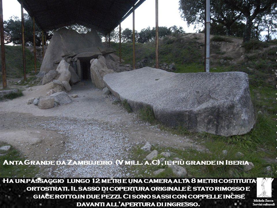 Michela Zucca Servizi culturali Ha un passaggio lungo 12 metri e una camera alta 8 metri costituita da 7 ortostrati. Il sasso di copertura originale è