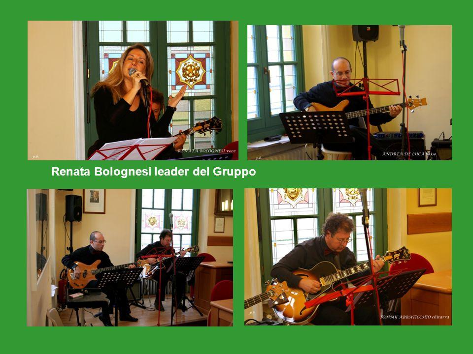 Valentina Innocenti consegna la pergamena a Giorgio Baro