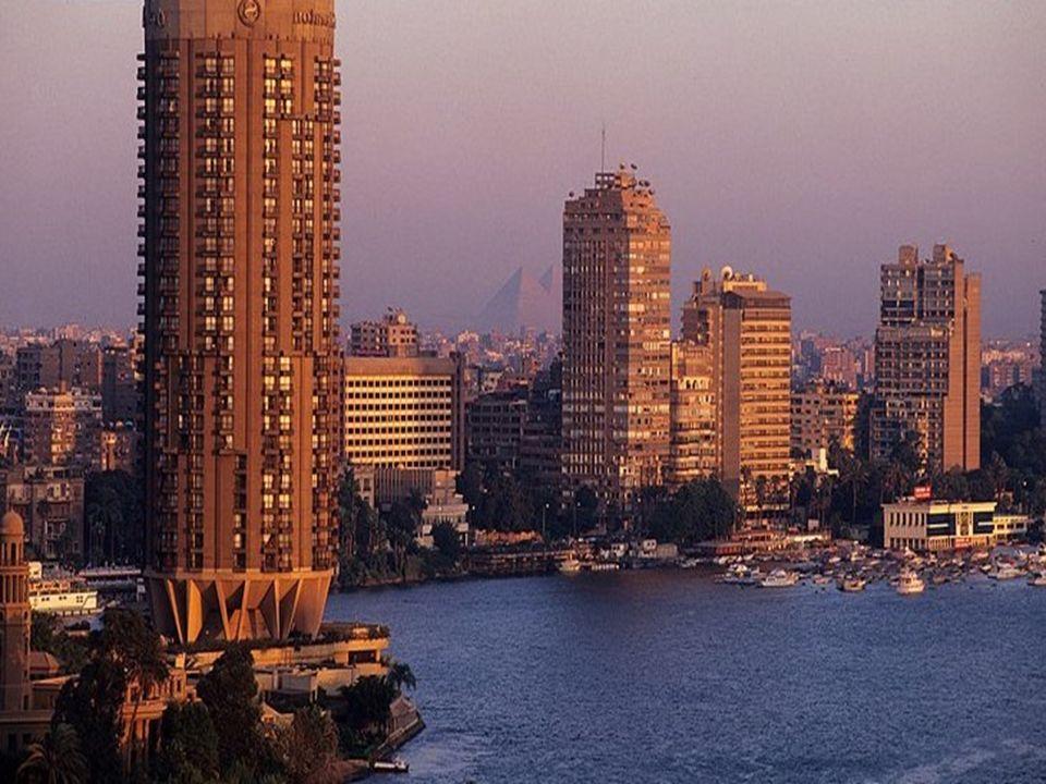 Per visitare Il Cairo avrete bisogno di almeno 4 giorni pieni. I singoli quartieri si visitano agevolmente a piedi, in quanto molto raccolti e sicuri