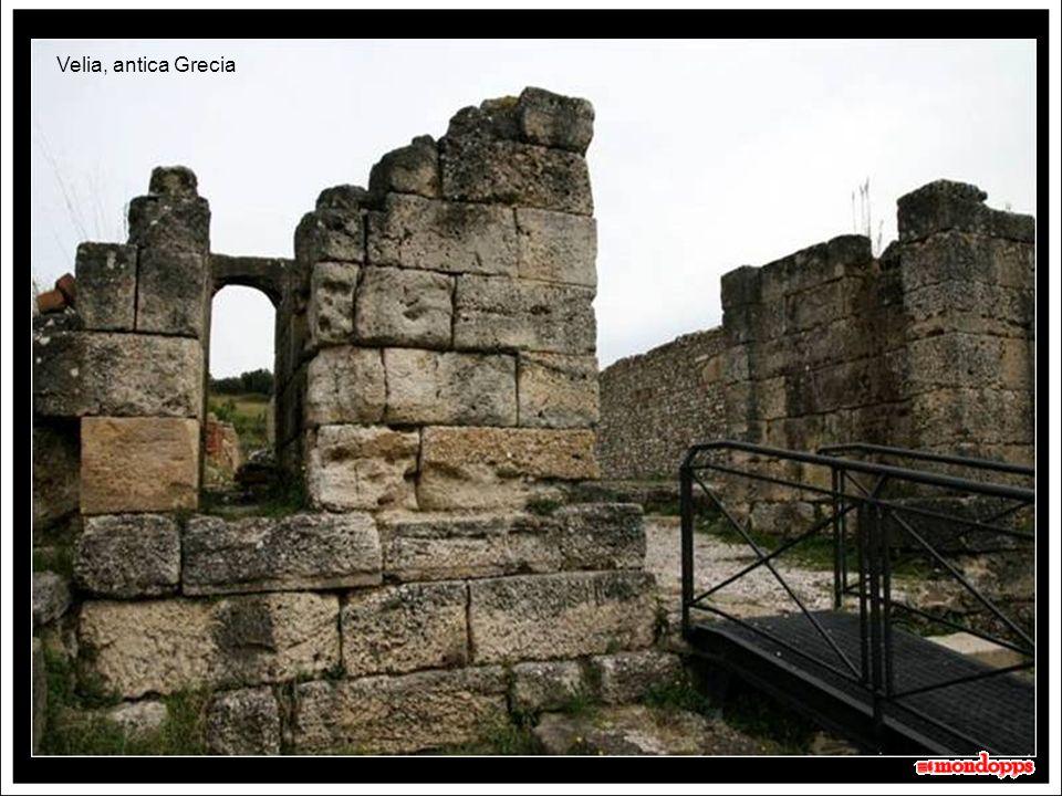 Velia - Elea Elea (greco: Ελαία), denominata in epoca romana Velia, è un antica città della Magna Grecia.