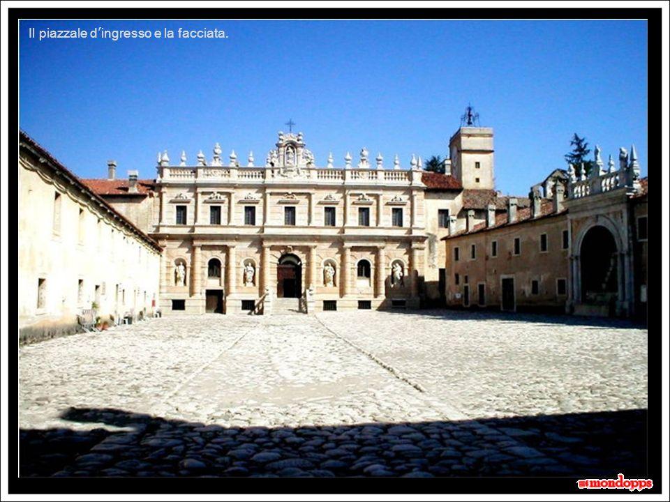 La Certosa di San Lorenzo Conosciuta anche come Certosa di Padula, è la più grande certosa in Italia, nonché tra le più famose.