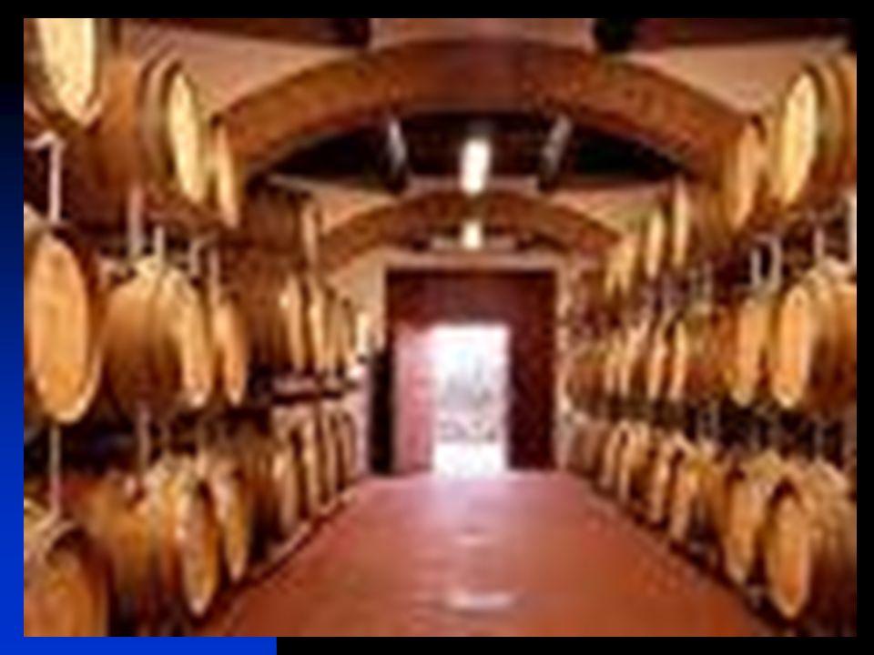 36 ADULTERAZIONI: annacquamento del vino aggiunta di glucosio al mosto aggiunta di alcool (se non in vini speciali es. vini liquorosi)