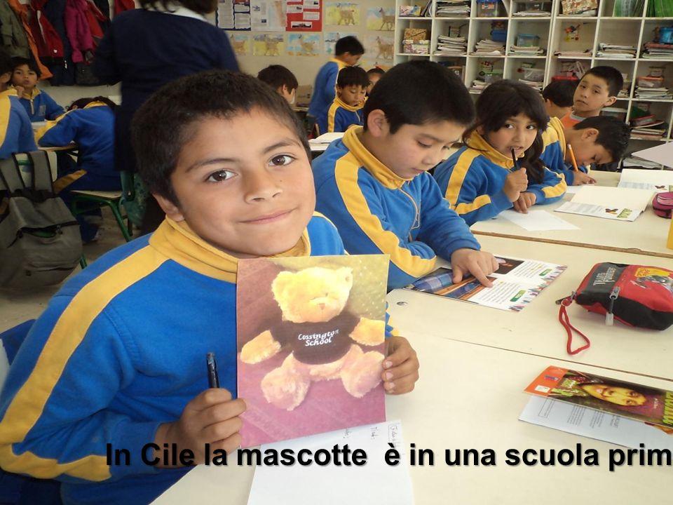 In Cile la mascotte è in una scuola primaria