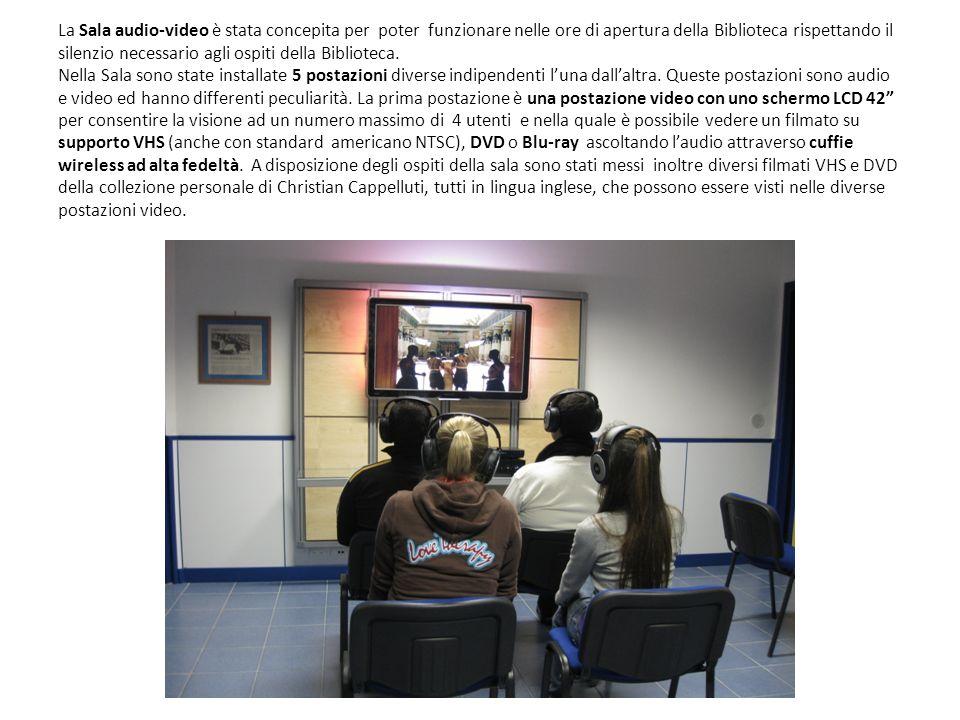 La Sala audio-video è stata concepita per poter funzionare nelle ore di apertura della Biblioteca rispettando il silenzio necessario agli ospiti della