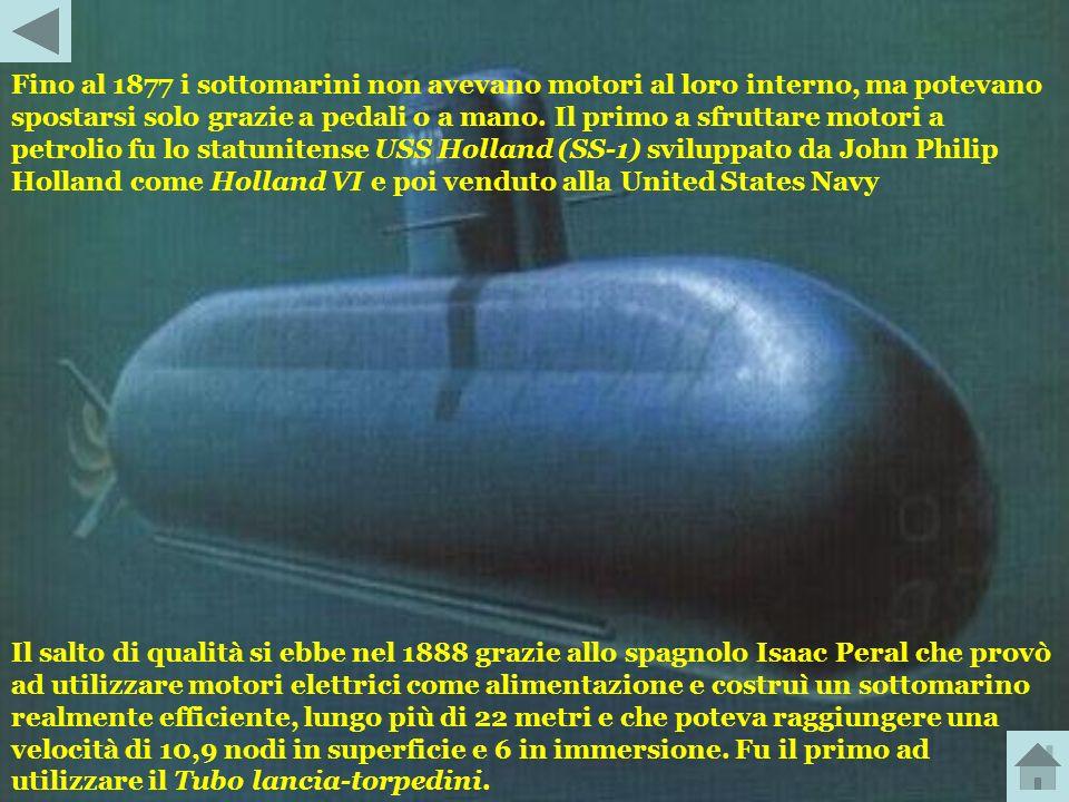 Nel 1800 l'americano Robert Fulton costruì in Francia il Nautilus, lungo 6 metri e largo 1,80 metri, che poteva contenere fino a 8 persone. Il Nautilu