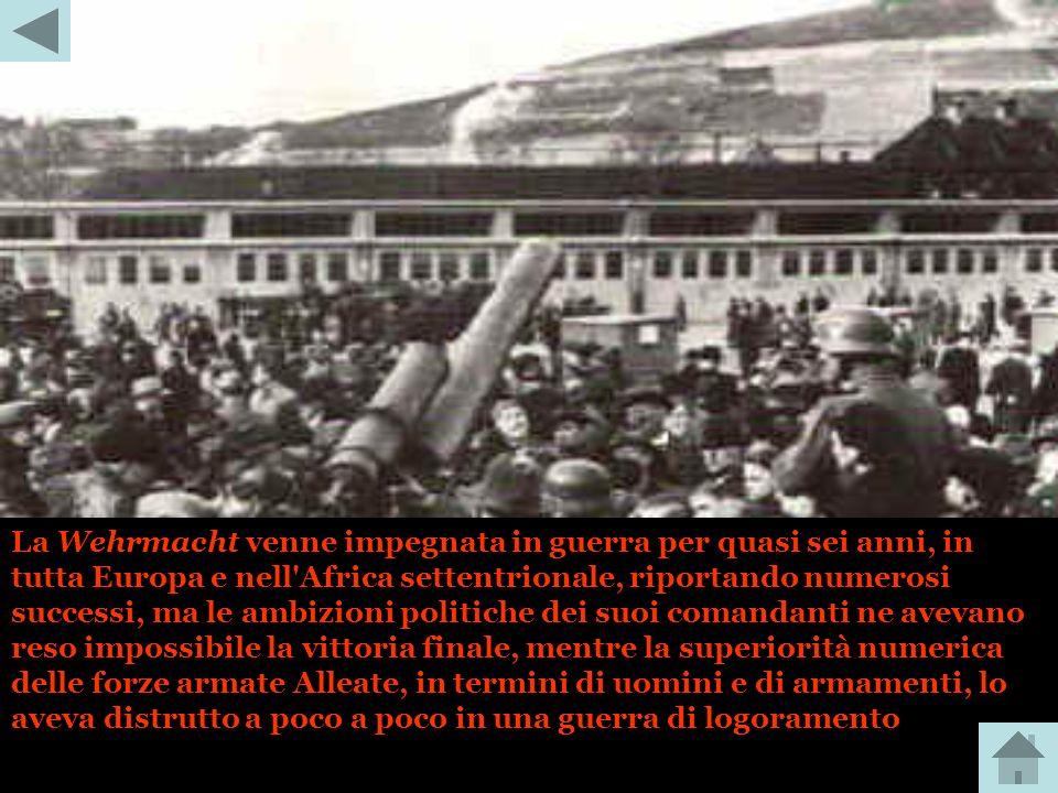 Un certo ostacolo al controllo dell'esercito da parte del regime nazista fu rappresentato, inizialmente, da alcuni ufficiali superiori che ne osteggia