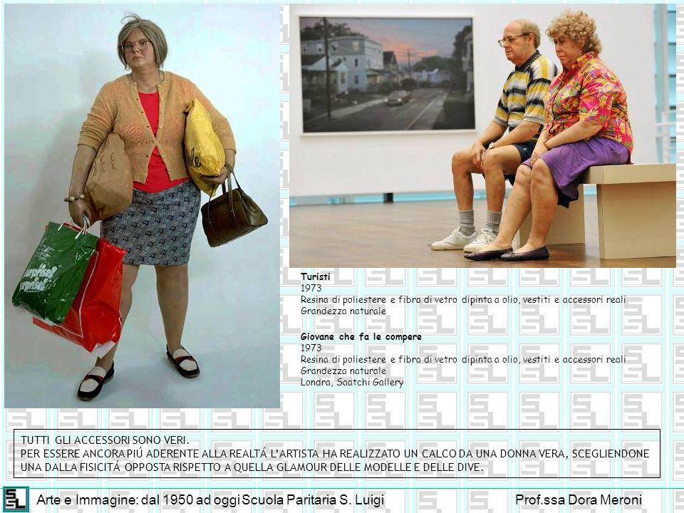 Arte e Immagine: dal 1950 ad oggiScuola Paritaria S. LuigiProf.ssa Dora Meroni Giovane che fa le compere 1973 Resina di poliestere e fibra di vetro di