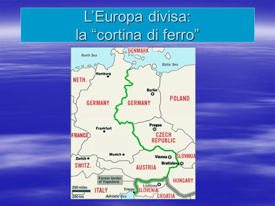 Al termine della guerra la Germania fu divisa in settori di occupazione ciascuno affidato alle potenze vincitrici Al termine della guerra la Germania fu divisa in settori di occupazione ciascuno affidato alle potenze vincitrici LArmata rossa, giunta per prima a Berlino, aveva già occupato il settore orientale della Germania, quando il 9 maggio 1945 fu firmato larmistizio LArmata rossa, giunta per prima a Berlino, aveva già occupato il settore orientale della Germania, quando il 9 maggio 1945 fu firmato larmistizio Le tappe della contrapposizione: la divisione della Germania