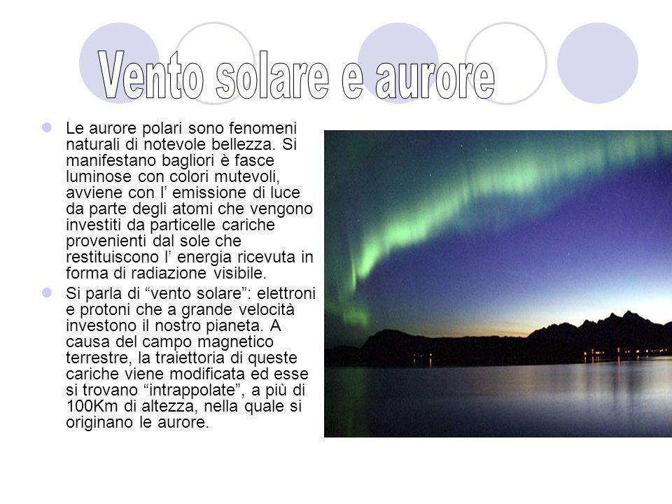 Le aurore polari sono fenomeni naturali di notevole bellezza.