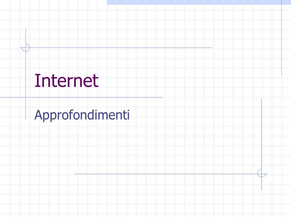 Indirizzi Internet Tutta la comunicazione tra PC viene effettuata attraverso il protocollo TCP / IP = Transmission Control Protocol / Internet Protocol.
