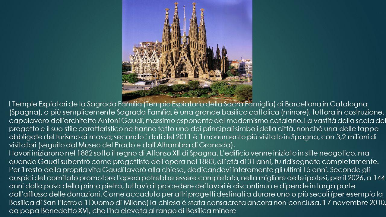 La cattedrale dell'Intercessione della Madre di Gesù sul Fossato, popolarmente nota come cattedrale di San Basilio, è una cattedrale della Chiesa orto