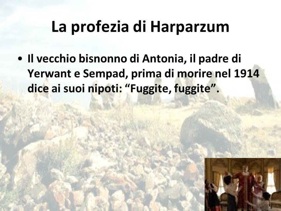 """La profezia di Harparzum Il vecchio bisnonno di Antonia, il padre di Yerwant e Sempad, prima di morire nel 1914 dice ai suoi nipoti: """"Fuggite, fuggite"""