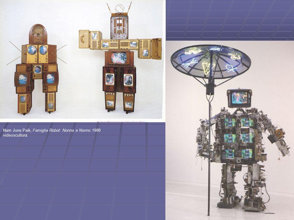 Nam June Paik, Famiglia Robot: Nonna e Nonno 1986 videoscultura