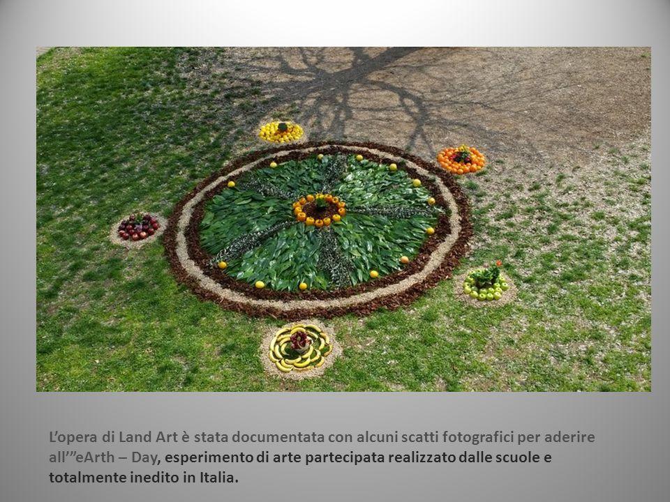 """L'opera di Land Art è stata documentata con alcuni scatti fotografici per aderire all'""""eArth – Day, esperimento di arte partecipata realizzato dalle s"""