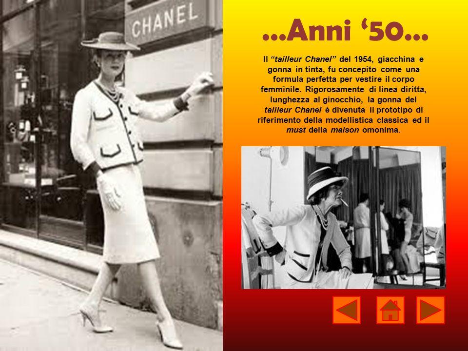 """…Anni '50… Il """"tailleur Chanel"""" del 1954, giacchina e gonna in tinta, fu concepito come una formula perfetta per vestire il corpo femminile. Rigorosam"""