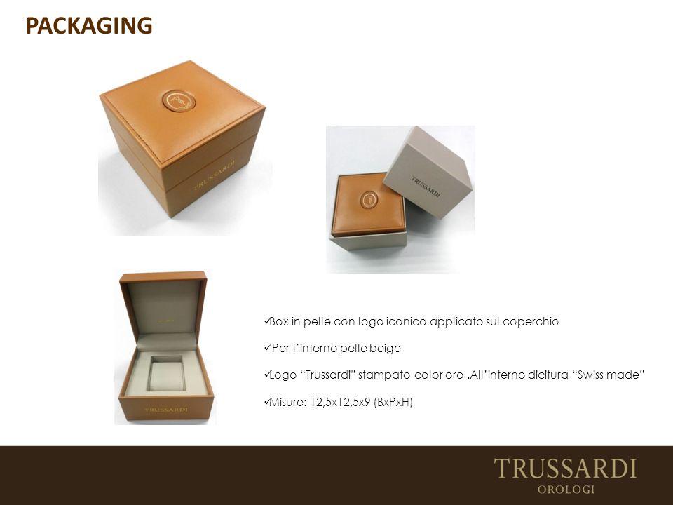 Box in pelle con logo iconico applicato sul coperchio Per l'interno pelle beige Logo Trussardi stampato color oro.All'interno dicitura Swiss made Misure: 12,5x12,5x9 (BxPxH) PACKAGING