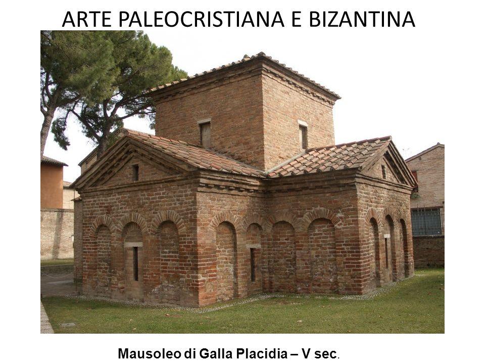 ARTE PALEOCRISTIANA E BIZANTINA Mausoleo di Teodorico a Ravenna. Interno. Sarcofago in porfido