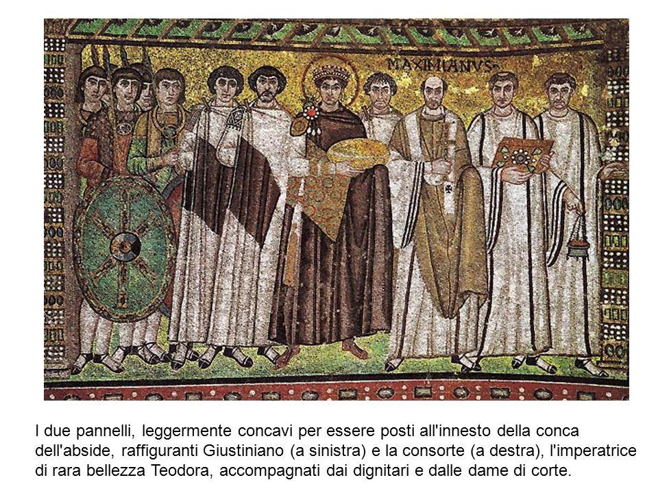 I due pannelli, leggermente concavi per essere posti all'innesto della conca dell'abside, raffiguranti Giustiniano (a sinistra) e la consorte (a destr