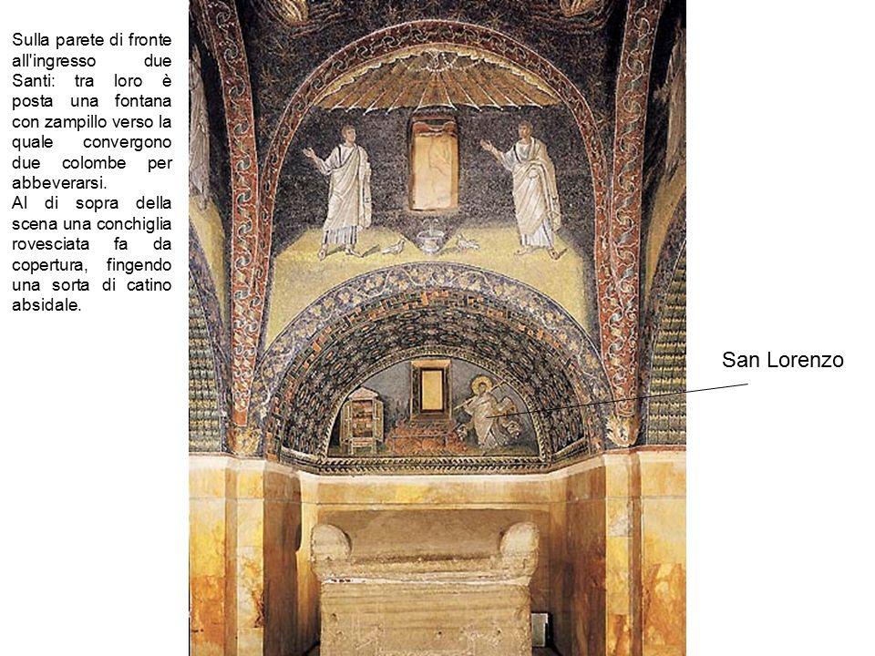San Lorenzo Sulla parete di fronte all'ingresso due Santi: tra loro è posta una fontana con zampillo verso la quale convergono due colombe per abbever