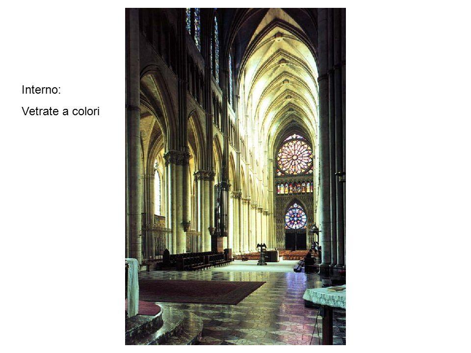 Interno: Vetrate a colori