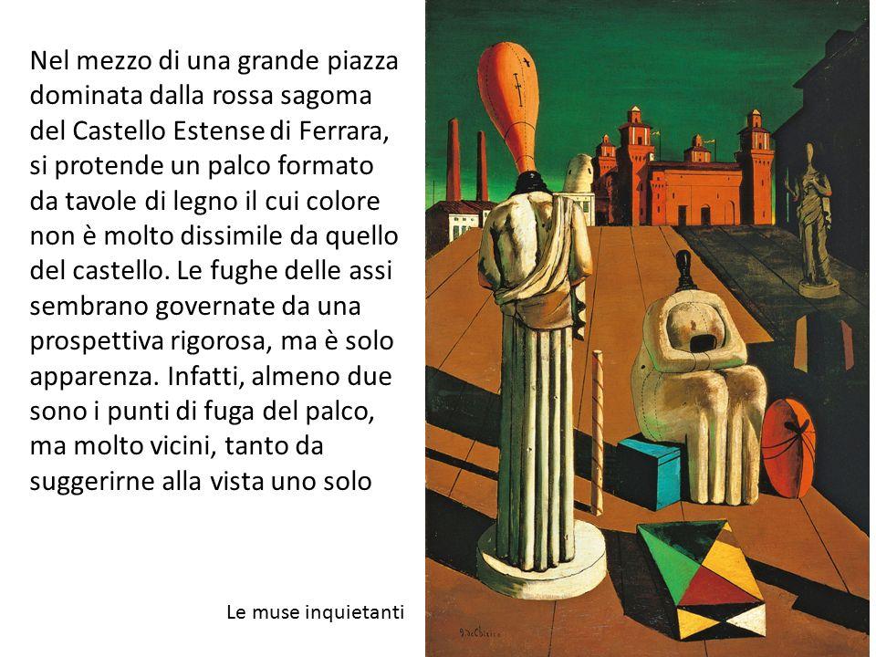 Nel mezzo di una grande piazza dominata dalla rossa sagoma del Castello Estense di Ferrara, si protende un palco formato da tavole di legno il cui col