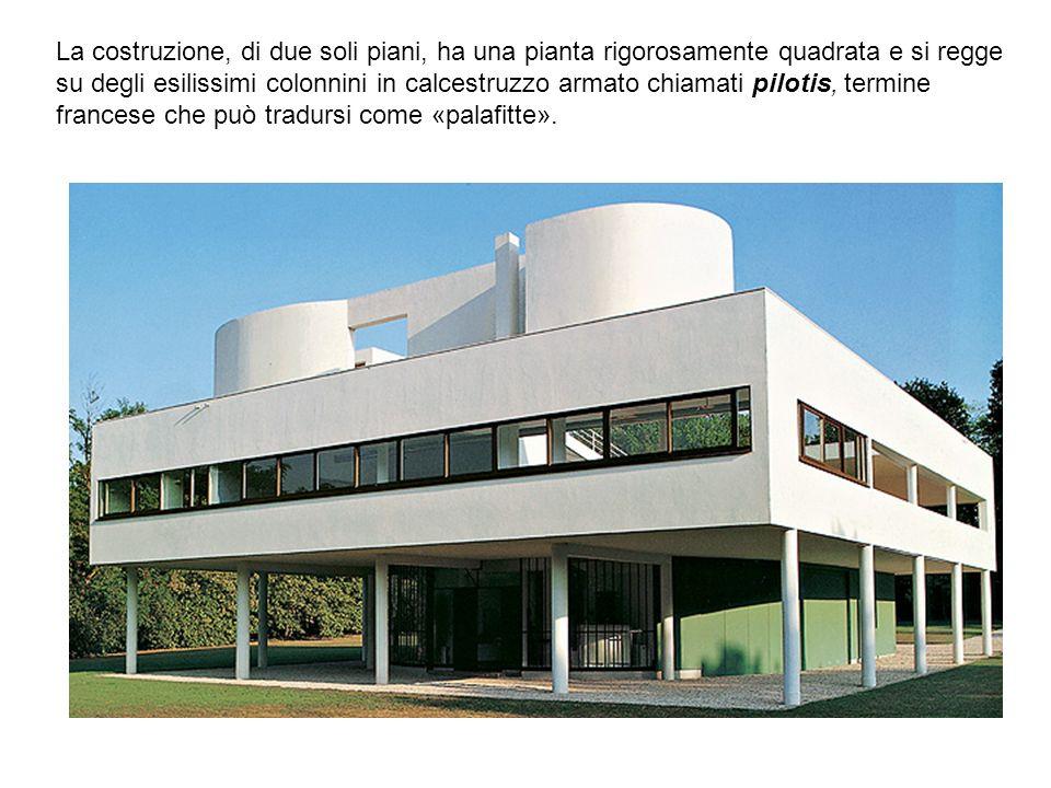 La costruzione, di due soli piani, ha una pianta rigorosamente quadrata e si regge su degli esilissimi colonnini in calcestruzzo armato chiamati pilot
