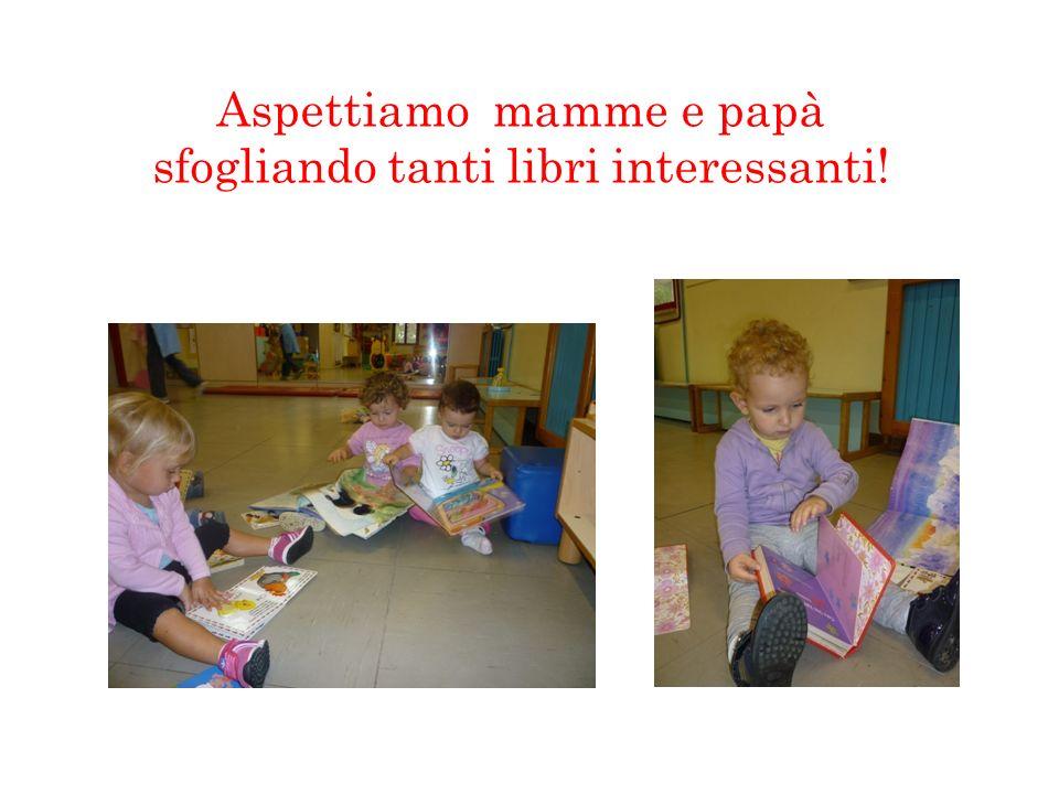 Aspettiamo mamme e papà sfogliando tanti libri interessanti!