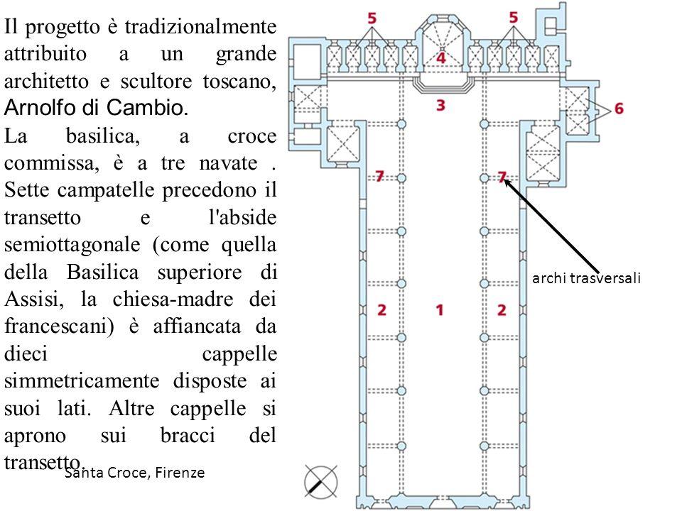 Le navate hanno una semplice copertura a capriate lignee e gli alti archi acuti delle campate poggiano su robusti pilastri a sezione ottagonale.