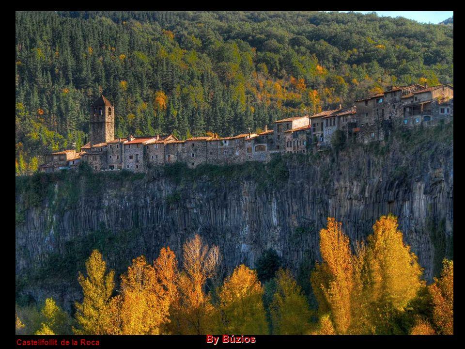 Castellfollit de la Roca By Búzios