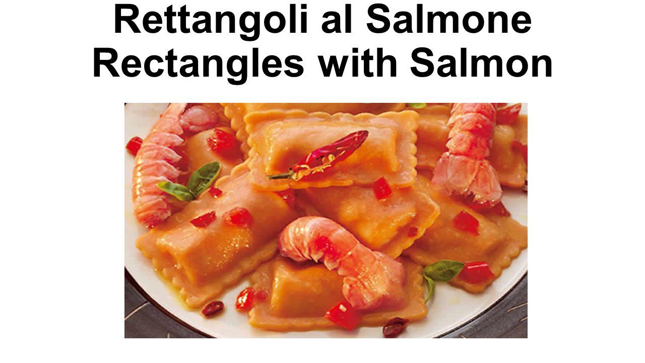 Triangoli al Pesce Spada - Triangles with Swordfish Denominazione commerciale: Triangoli al Pesce Spada di prima qualità surgelati Ingredienti: Pasta: semola di grano duro, uova, acqua.