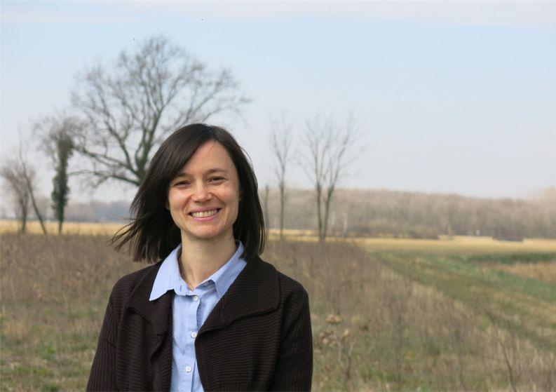 Elisa Tomat Sono nata a Udine nel 1976.