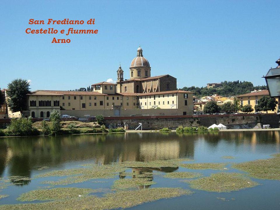 El Campanile de Giotto (82 m) e la famoso cupola di Brunelleschi (114 m)