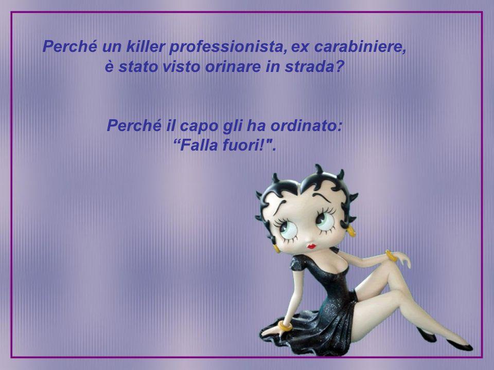 Perché un killer professionista, ex carabiniere, è stato visto orinare in strada.