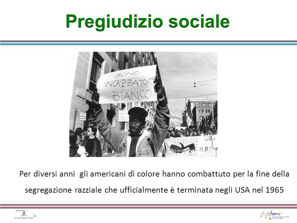 Per diversi anni gli americani di colore hanno combattuto per la fine della segregazione razziale che ufficialmente è terminata negli USA nel 1965