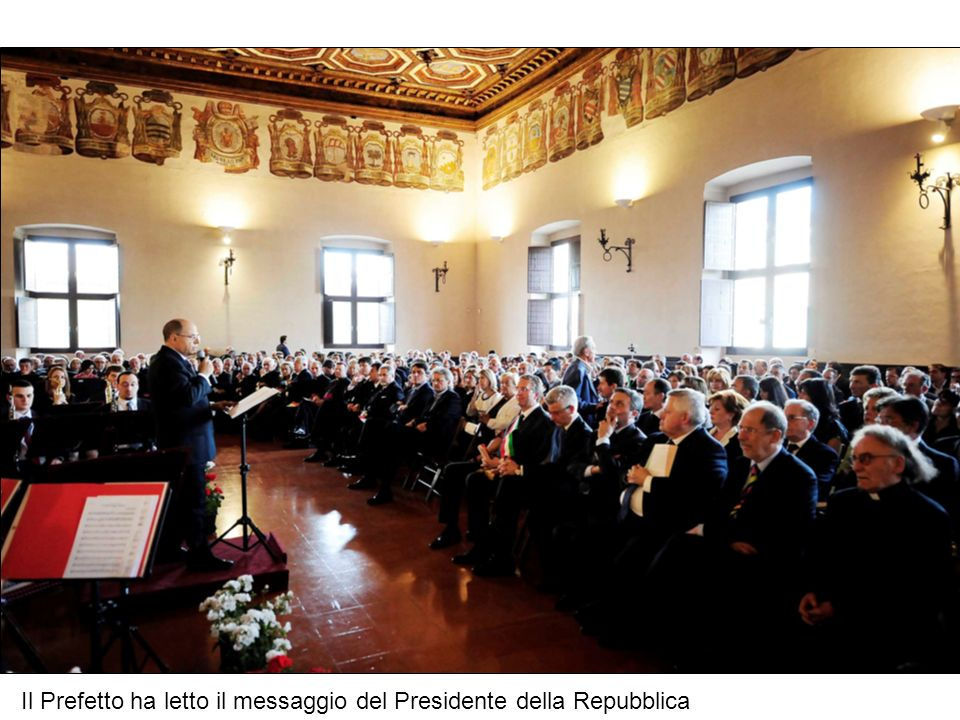 Il Salone Metaurense del Palazzo Ducale ha accolto durante la cerimonia una vasta platea di Autorità civili e militari