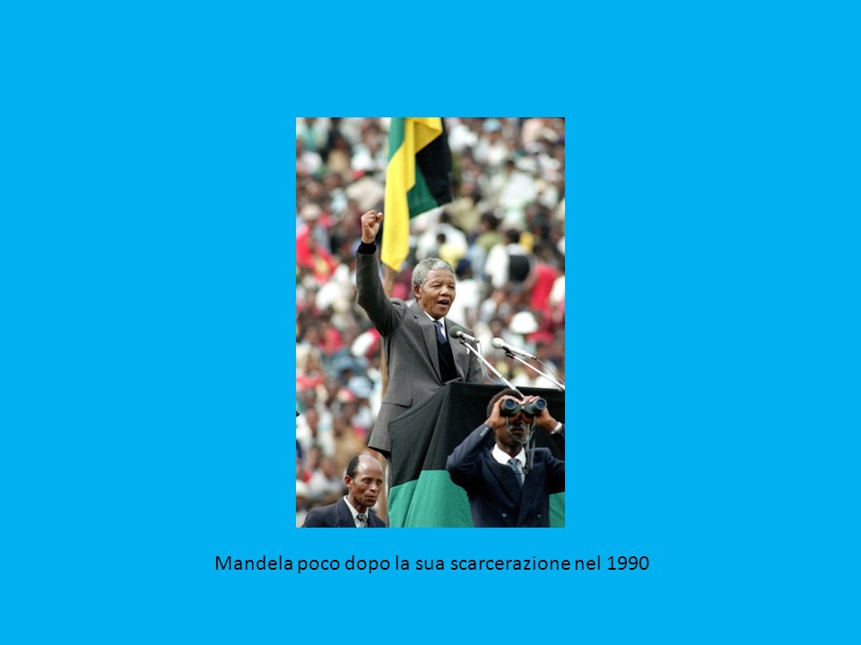 Un idealista che non ha mai dimenticato la sua lotta – che pure lo ha portato ad allearsi anche con dittatori come il leader libico Gheddafi – riuscendo a evitare che la rivoluzione copernicana impressa al Sudafrica sfociasse in un bagno di sangue tra bianchi e neri, anche grazie al sapiente uso dei simboli, come il rugby, e a una vitalità che pareva inesauribile e ne ha fatto un idolo pop-rock per generazioni di leader, e di cantanti (Peter Gabriel, Bono Vox, Bruce Springsteen).