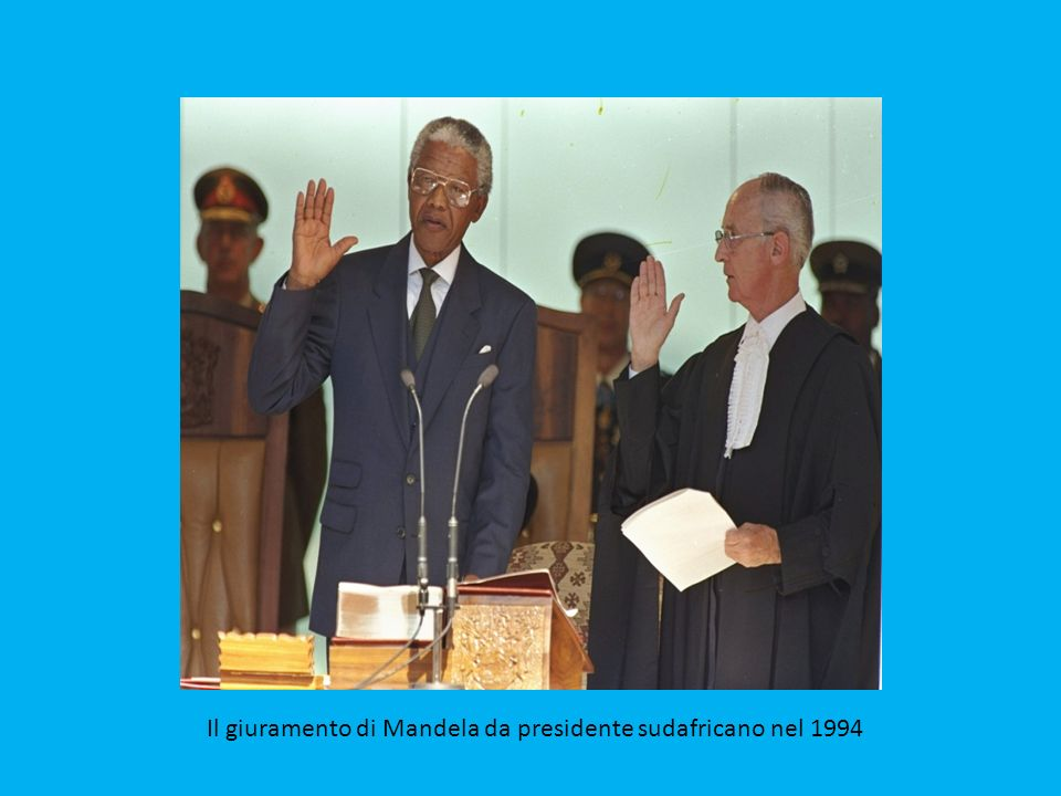 Mandela poco dopo la sua scarcerazione nel 1990