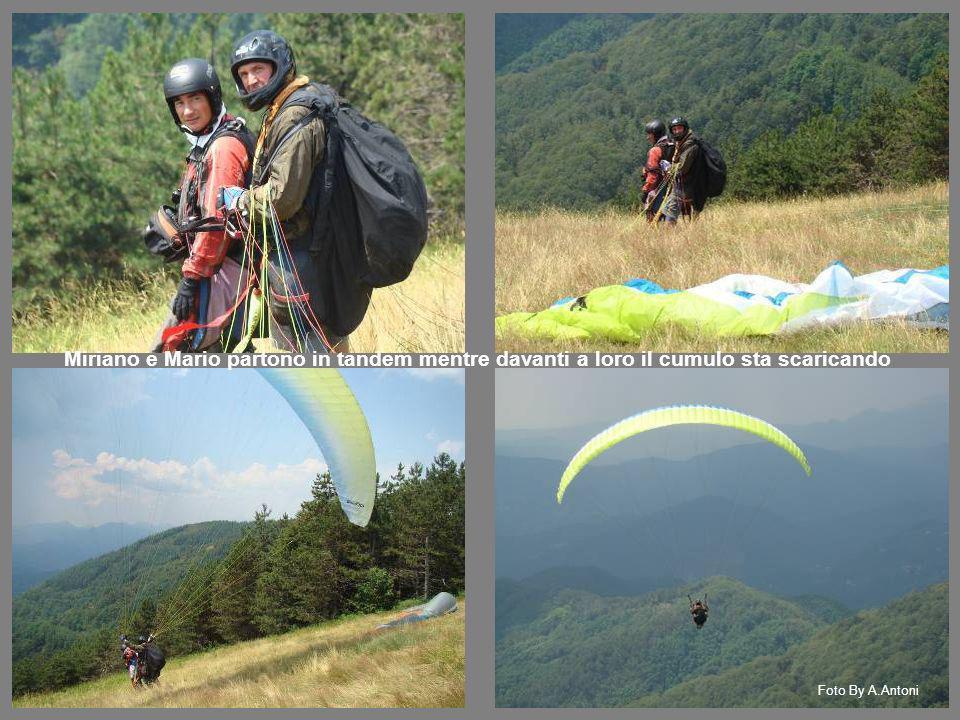 Miriano e Mario partono in tandem mentre davanti a loro il cumulo sta scaricando Foto By A.Antoni