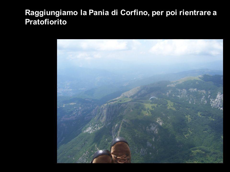 Raggiungiamo la Pania di Corfino, per poi rientrare a Pratofiorito