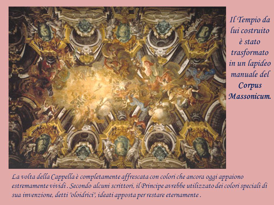 La volta della Cappella è completamente affrescata con colori che ancora oggi appaiono estremamente vividi. Secondo alcuni scrittori, il Principe avre