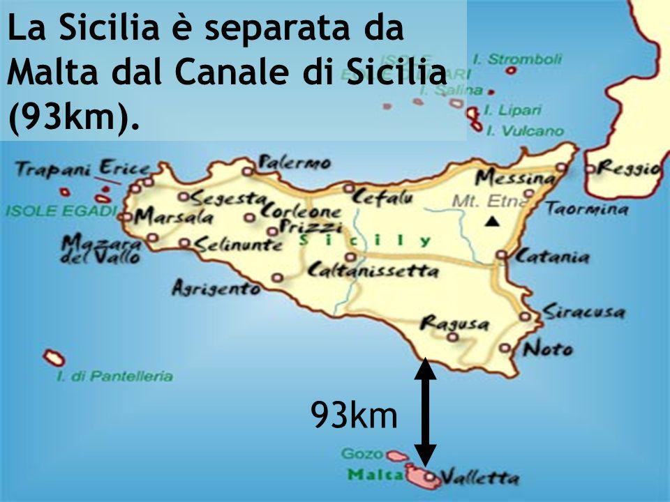 Cartina Malta e Sicilia per dimostrare che ci sono 93 km di distanza 93km La Sicilia è separata da Malta dal Canale di Sicilia (93km).