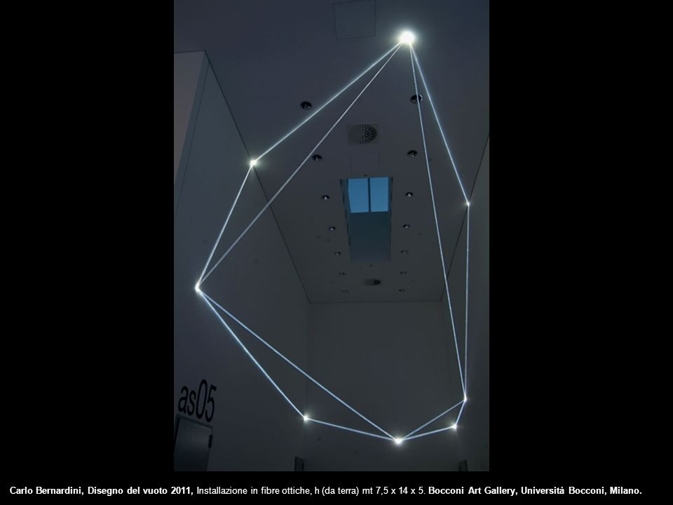 SPAZI PERMEABILI 2004, installazione in fibre ottiche e acciaio inox mt h 4,5x6x14, Galleria Milano.