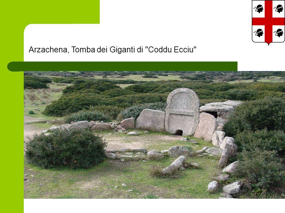 Arzachena, Tomba dei Giganti di Coddu Ecciu
