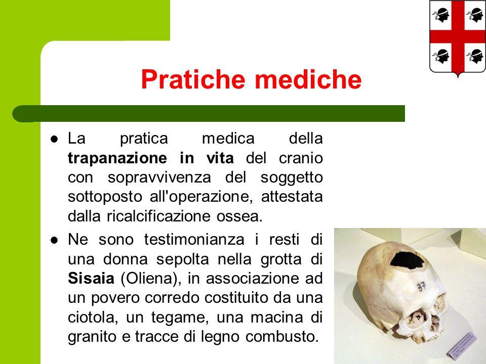 La pratica medica della trapanazione in vita del cranio con sopravvivenza del soggetto sottoposto all operazione, attestata dalla ricalcificazione ossea.