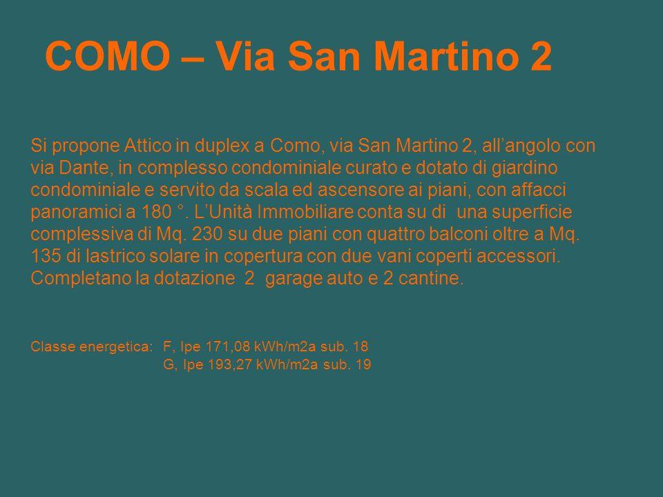 COMO – Via San Martino 2 Si propone Attico in duplex a Como, via San Martino 2, allangolo con via Dante, in complesso condominiale curato e dotato di giardino condominiale e servito da scala ed ascensore ai piani, con affacci panoramici a 180 °.