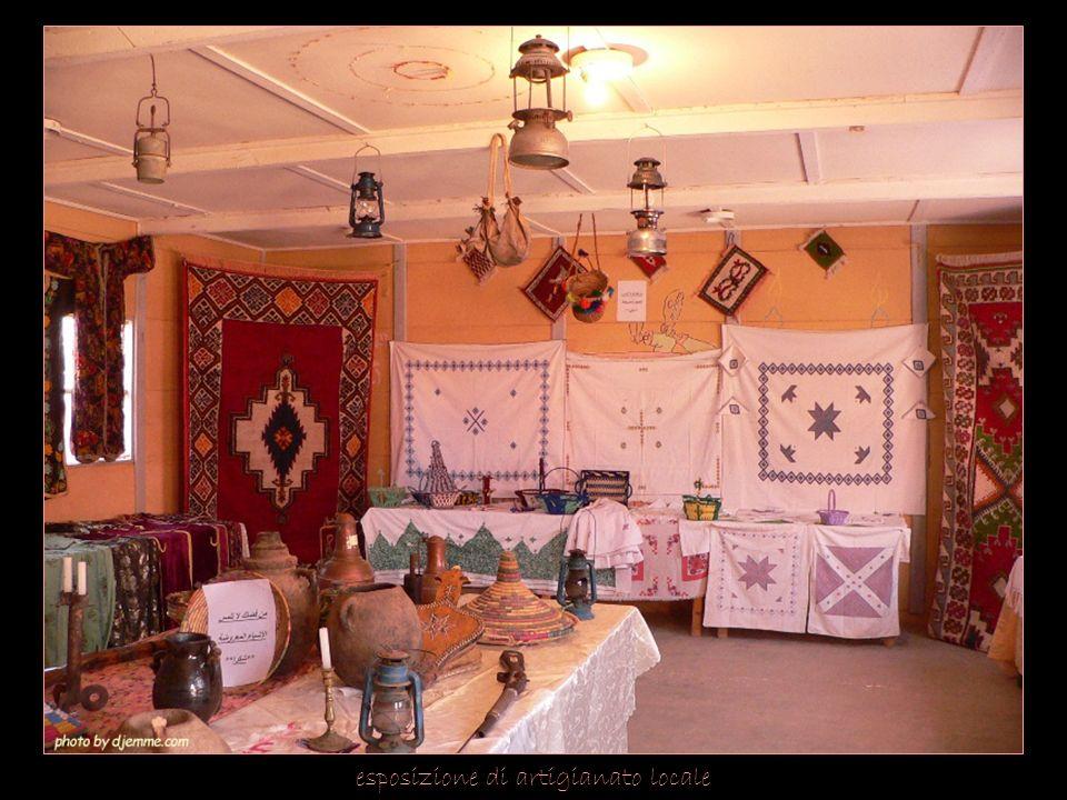 esposizione di artigianato locale