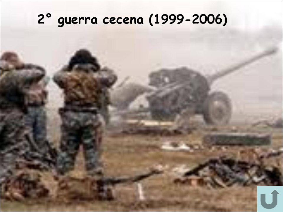 La cecenia è ufficialmente una repubblica federeta russa, la cui costituzione regionale è entrata in vigore il 2 aprile del 2003, dopo un referendum tenutosi il 23 marzo 2003.